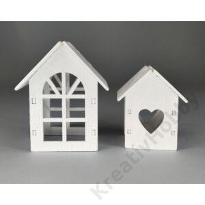 Fehér házikó szív ablakkal 5x3x2,5cm