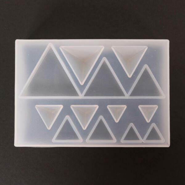 Szilikon öntőforma átl. háromszögek 6,4 x 9 x 2,2cm