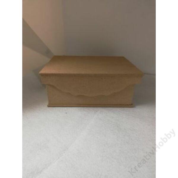 Szögletes doboz, MDF 19,9 x 14,9 x 9,4 cm, csipke borítású